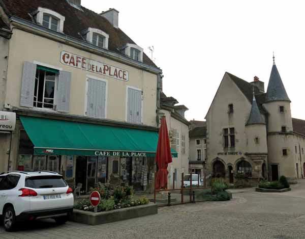 Walking in France: The Café de la Place, next to the quaint Office of Tourism, Arnay-le-Duc