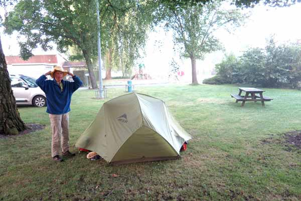 Walking in France: A misty start, Autun camping ground