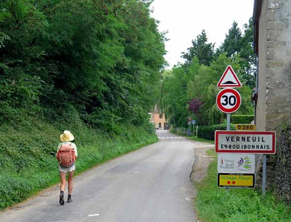 Walking in France: Arriving in Verneuil-en-Bourbonnais