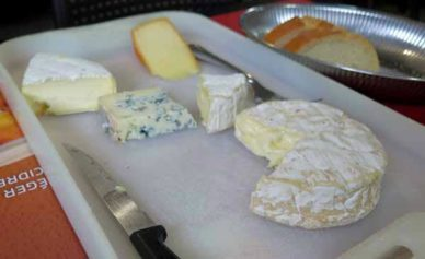 Walking in France: And a cheese plateau to finish