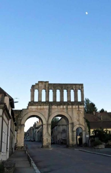 Walking in France: The Porte d'Arroux with a gibbous moon, Autun