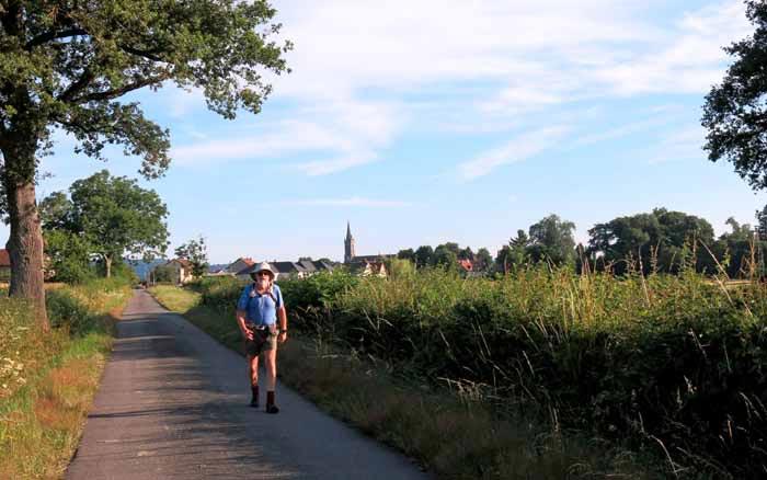 Walking in France: Leaving Étang-sur-Arroux
