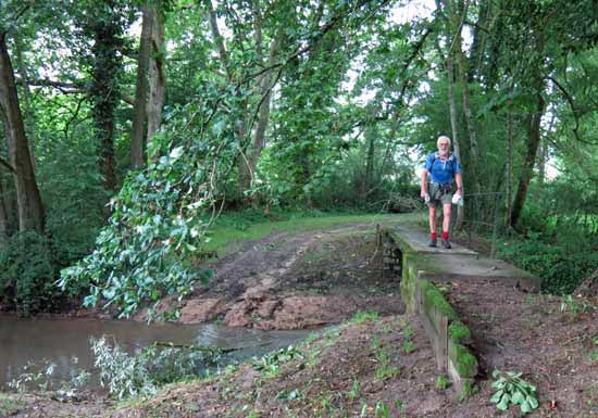 Walking in France: Grateful for a small bridge