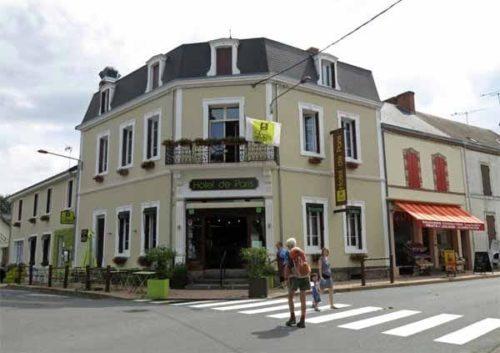 Walking in France: Hotel de Paris, Jaligny-sur-Besbre