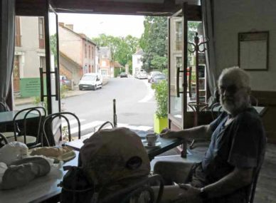 Walking in France: At ease in Jaligny