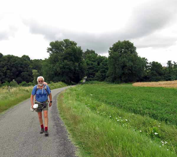 Walking in France: Near Varennes-sur-Allier