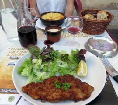 Walking in France: Our mains, veal escalope and lasagne
