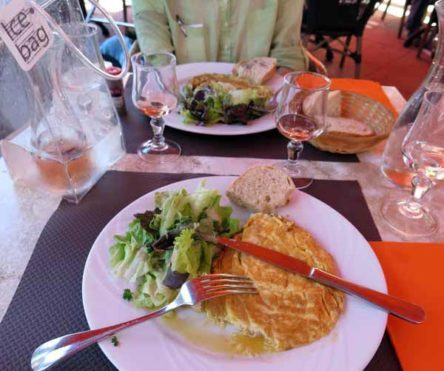 Walking in France: Followed by lunch of omelettes and rosé at the Rotonde
