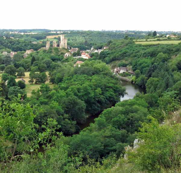 Walking in France: Our first view of Hérisson