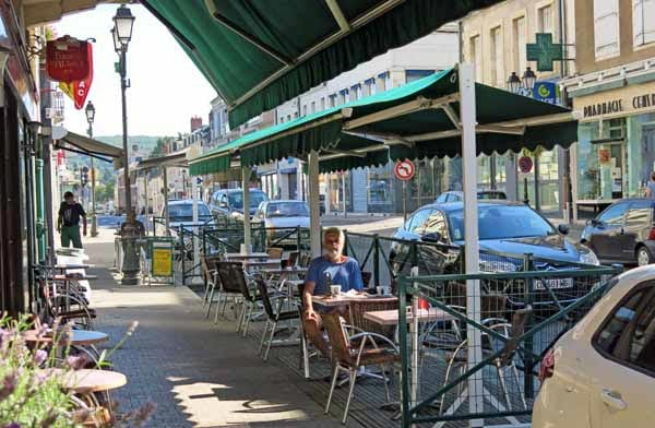 Walking in France: In the main street of St-Amand