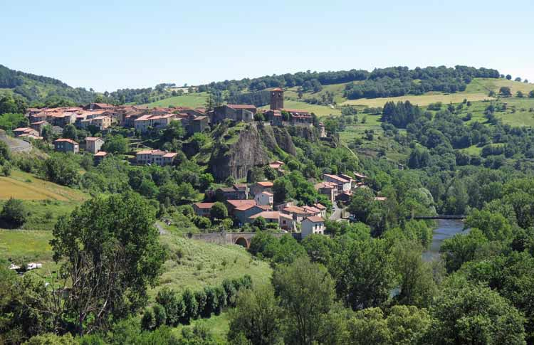 Walking in France: Chilhac, and the Allier river below