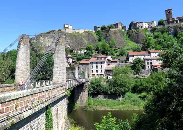 Walking in France: Crossing the Allier below Chilhac