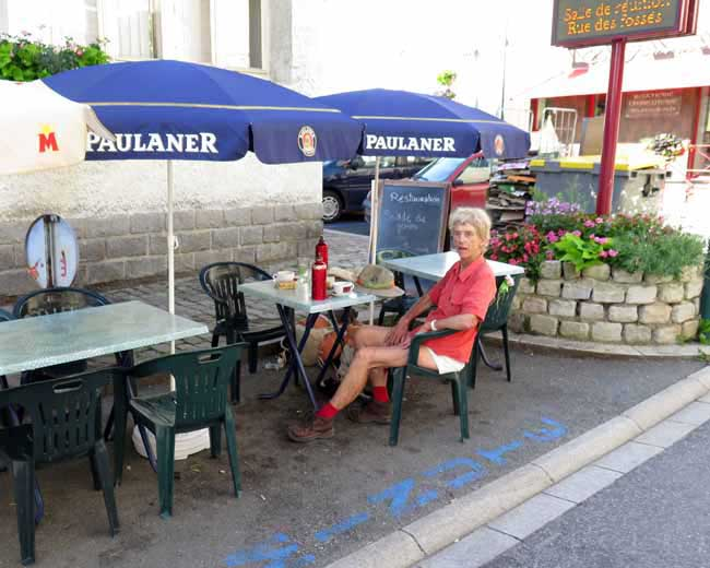 Walking in France: Rest stop in the, now modest, village of Ébreuil