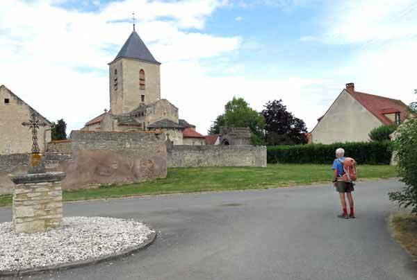 Walking in France: Passing through Poëzat