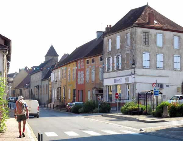 Walking in France: Arriving in Chantelle