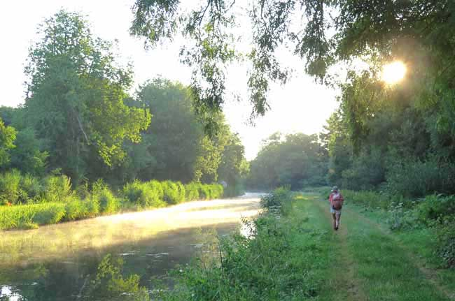 Walking in France: Going towards Vézelay, on the Way of Vézelay