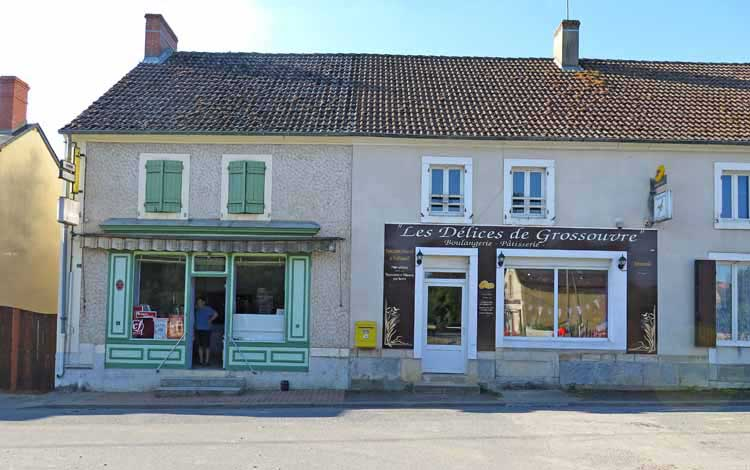 Walking in France: Grossouvre's bar and boulangerie