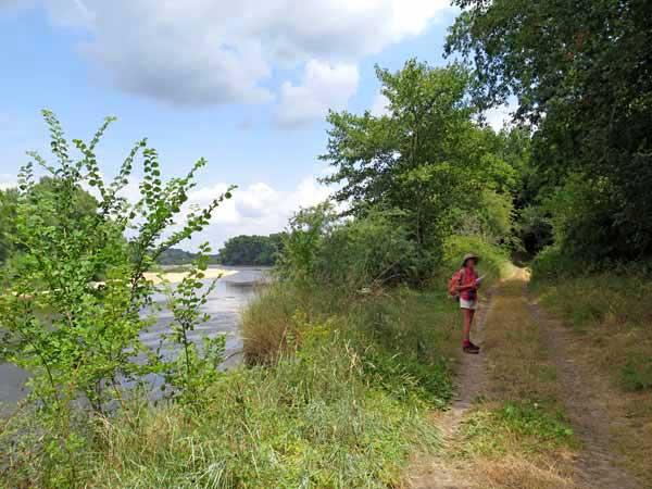 Walking in France: Beside the Loire