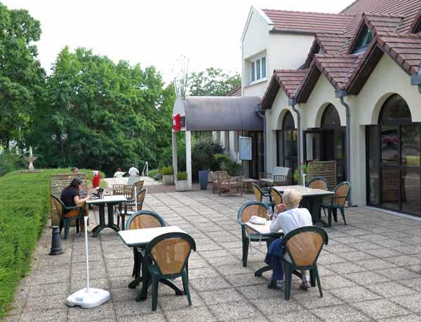 Walking in France: A rosé on the terrace of the Ibis hotel