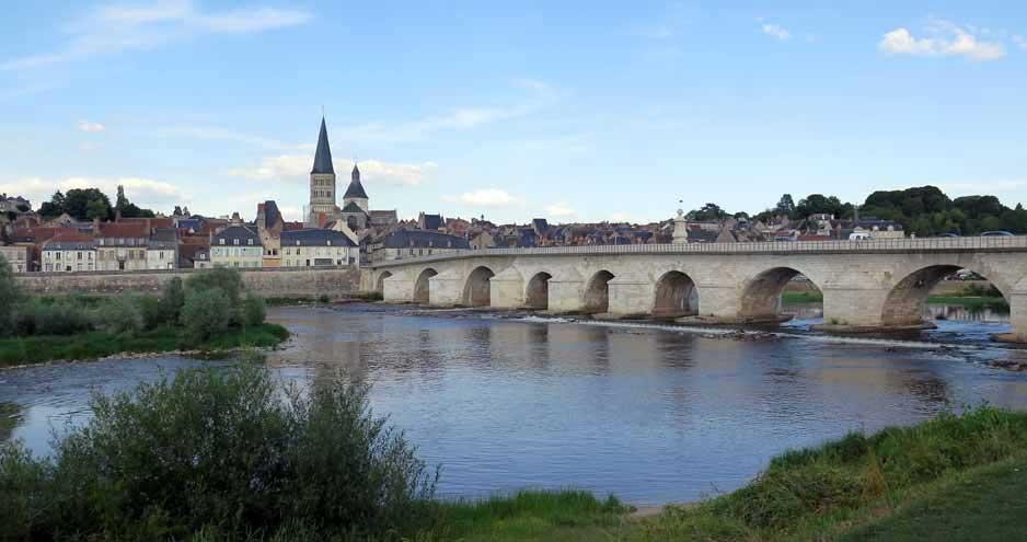 Walking in France: La Charité-sur-Loire
