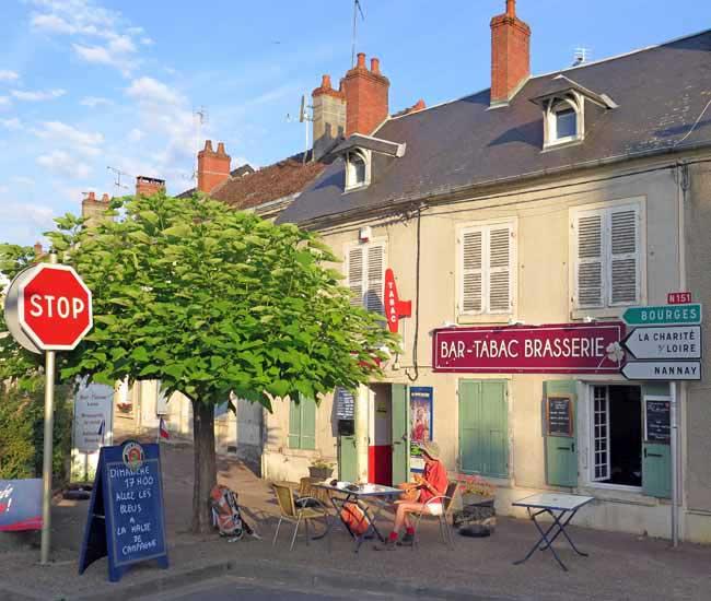 Walking in France: Breakfast at la Halte de Campagne