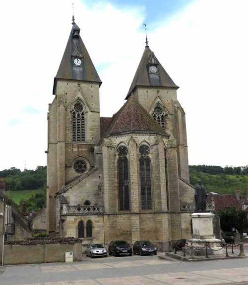 Walking in France: Eglise Saint Pierre, Varzy