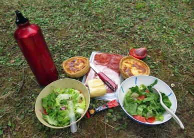 Walking in France: Lunch in the Varzy camping ground