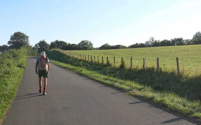 Walking in France: Leaving Pougues on a very quiet back road