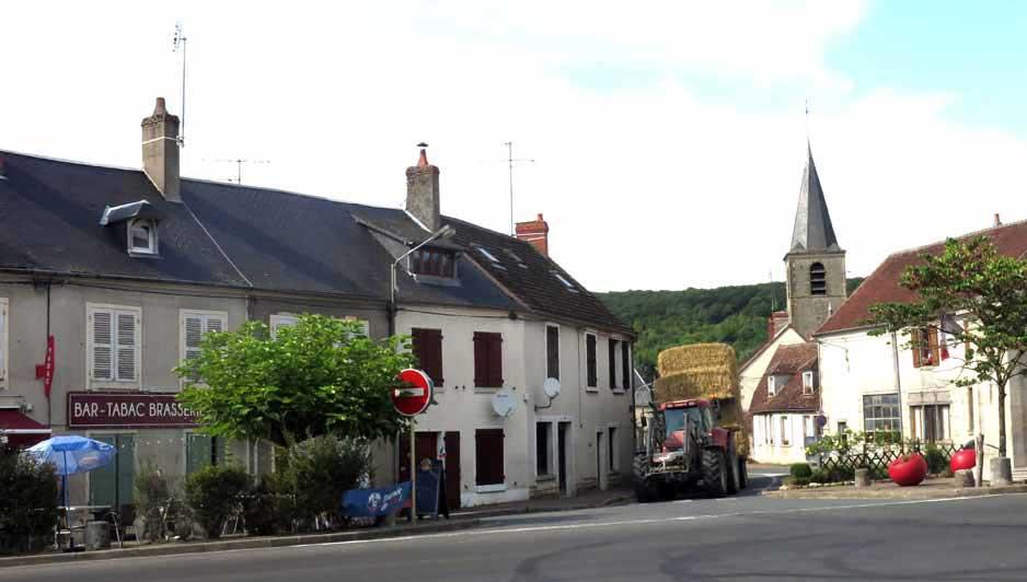 Walking in France: La Halte de Campagne, Châteauneuf-Val-de-Bargis