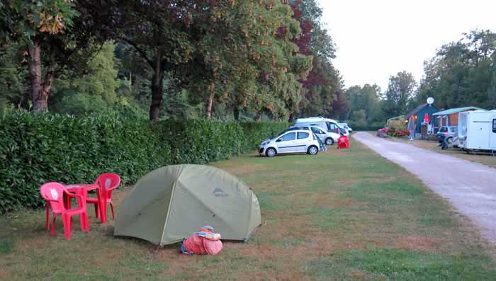 Walking in France: An early start at the Clamecy camping ground