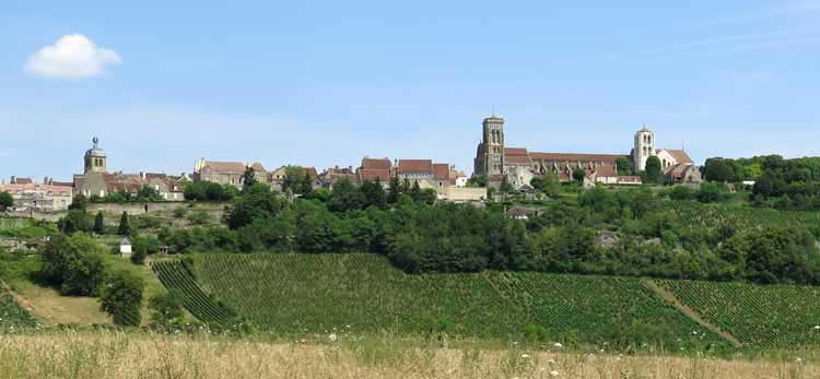 Walking in France: Descending from Vézelay to St-Père