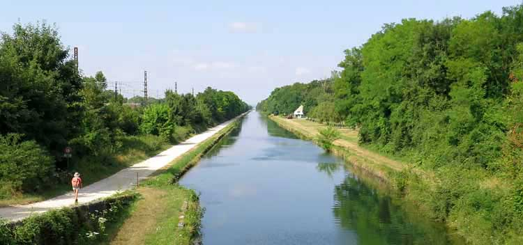 Walking in France: The direct route to Migennes