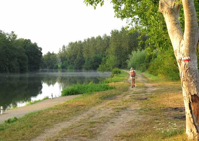 Walking in France: Beside the Yonne on the GR213