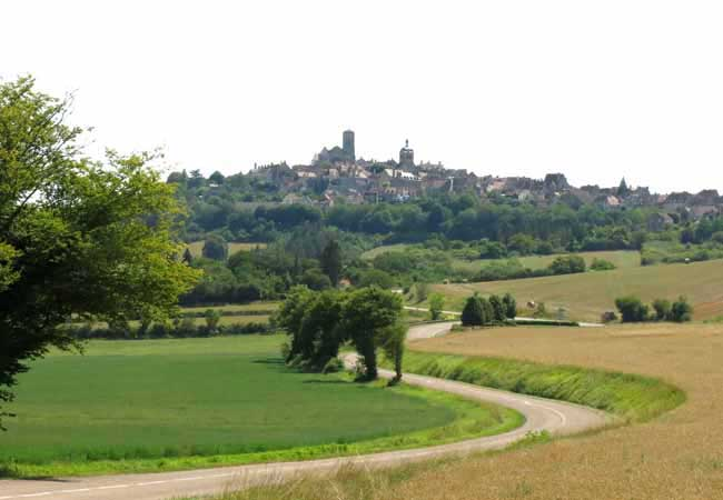 Walking in France: First view of Vézelay
