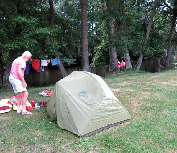 Walking in France: Camping beside the river Cure, St-Père