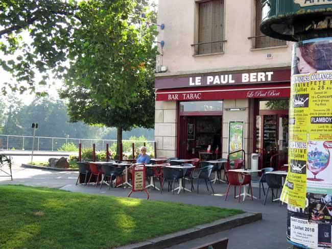 Walking in France: Breakfast at the Bar Paul Bert